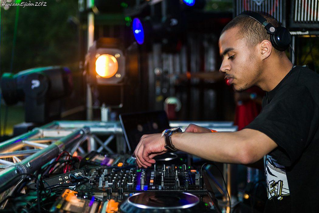 DJ Swindle (HvE-20120519-0612)