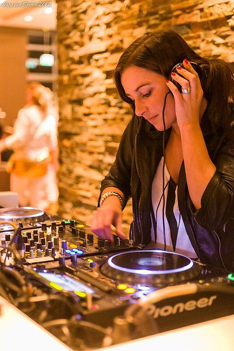 DJ Yade (HvE-20121110-0375)